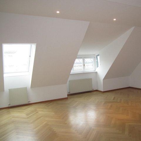 Kaerntner-Ring-15-Zimmer-1_499.jpg